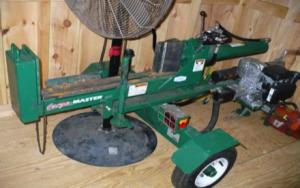Wood splitter (gas)